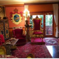 Roma, Camilluccia pittoresco appartamento ricco di arte e storia del Vaticano