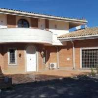 Prestigious 700 sqm villa for sale within the Olgiata park in Rome